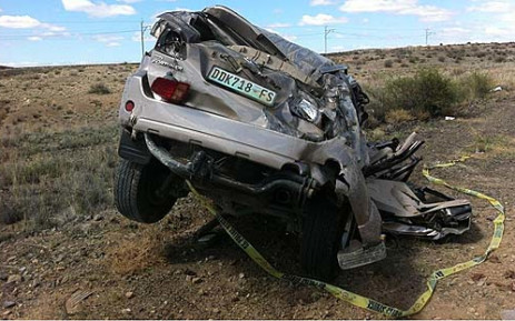A road accident on the N1 between Laingsburg and Beaufort West claimed four lives on 16 December 2012. Picture: Graeme Raubenheimer/EWN