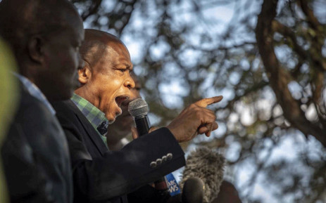 FILE: Supra Mahumapelo pictured addressing supporters underneath a thorn tree in Mahikeng before the ANC has placed him on precautionary leave, on 9 May 2018. Picture: Picture: Thomas Holder/EWN