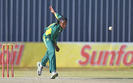 Proteas Women's fast bowler Ayabonga Khaka sends down a quick delivery. Picture: @OfficialCSA/Twitter