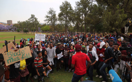 FILE: University students chanting for free, decolonised and quality education outside the Union Buildings on 20 October 2016. Picture: Christa Eybers/EWN.
