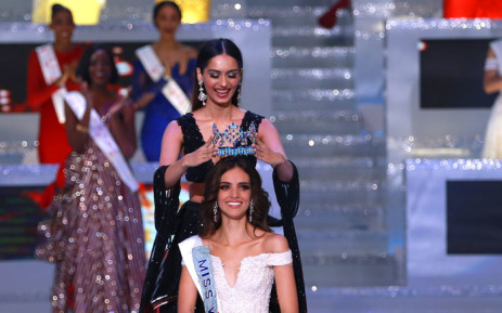 Miss World 2017 Manushi Chhillar crowns Mexico's Vanessa Ponce de Leon on 8 December 2018. Picture: Miss World.