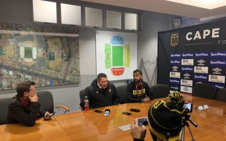 FILE: Stellenbosch FC coach Steve Barker (centre) briefs the media. Picture: @StellenboschFC/Twitter