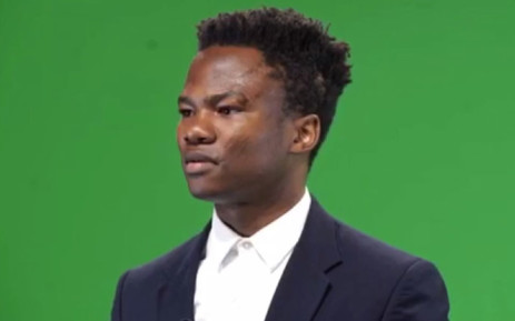 A screengrab of Loyiso Madinga doing a promo for 'The Daily Show'.