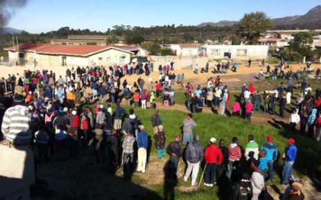Angry residents of Botrivier outside Hermanus in the Cape protesting the delivery of only four RDP houses. 28 May 2012. Picture: Malungelo Booi/EWN.