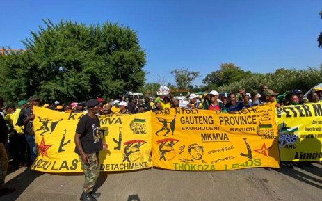 Supporters of ANC secretary-general Ace Magashule gather at Loch Logan Park in Bloemfontein ahead of his court appearance on 13 November 2020. Picture: Abigail Javier/EWN