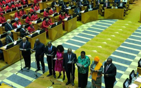 FILE: New members of Parliament, including Cyril Ramaphosa (right) and Nkosazana Dlamini-Zuma (second right), being sworn in at the National Assembly. Picture: EWN