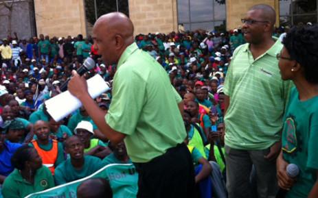 FILE: Amcu President Joseph Mathunjwa addresses hundreds of union members. Picture: Gia Nicolaides/EWN.