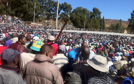 Gold Fields miners gather at a stadium in Driefontein, demanding a wage hike. Picture: Theo Nkonki/EWN.