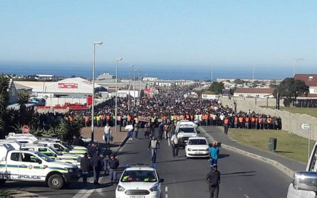 Hundreds of people marched in Hermanus for land and housing on 16 May 2018. Picture: Supplied.