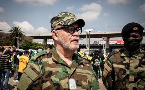 FILE: Carl Niehaus, spokesperson of the uMkhonto we Sizwe Military Veterans Association, led supporters of former President Jacob Zuma in a protest on 9 October 2020, demanding Deputy Chief Justice Raymond Zondo step down from the commission of inquiry into state capture, accusing him of bias against Zuma. Picture: Xanderleigh Dookey/EWN.