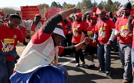 FILE: The NUM workers on strike. Picture: EWN.