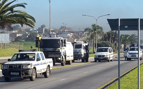 FILE: Police on the scene of violent protests in Port Elizabeth on 27 July 2015. Picture: AlgoaFM.