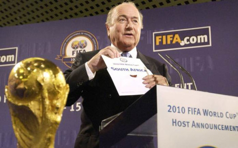 FILE: Fifa President Sepp Blatter announces the 2010 World Cup will be organised by South Africa on 15 May 2004 at the Fifa headquarters in Zurich. Picture: AFP.
