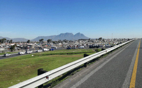 N2 highway incoming closed due to  stone throwing as a large crowd gathered below Bochard's Quarry bridge. Picture: Wesley Peterson/EWN.
