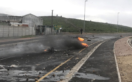 Residents of Zwelihle near Hermanus protest on 12 July 2018. Picture: Monique Mortlock/EWN