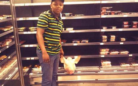 Cosas member places pig head in Kosher section of Sea point Woolworths. Picture: Twitter.