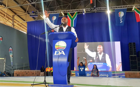 Gauteng premier candidate Solly Msimanga addresses supporters at Saulsville Arena at the Gauteng manifesto launch. Picture: @Our_DA/Twitter.