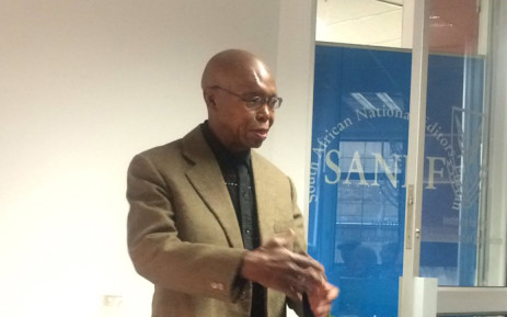 Press ombudsman Joe Thloloe speaks at Allister Sparks's memorial service at the Institute for the Advancement of Journalism on 6 October 2016. Picture: Masa Kekana/EWN.