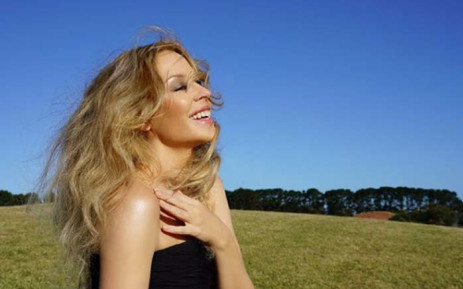Kylie Minogue secures UK number one album