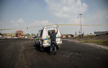 The SAPS arrive at the Gloria Coal Mine in Mpumalanga on 7 February 2019 where a gas explosion occurred which led to six deaths at the Gloria Coal Mine in Mpumalanga. Picture: Sethembiso Zulu/EWN.