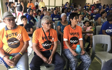 Scores of DA members gathered in Elsies River on Sunday afternoon to welcome a number of GOOD members to their party. Picture: Lauren Isaacs/EWN