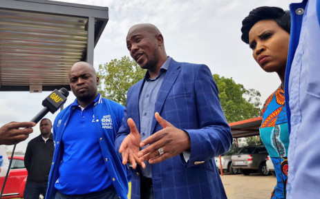 FILE: DA leader Mmusi Maimane on a walkabout at the Princess Clinic in Roodepoort on 10 April 2019.