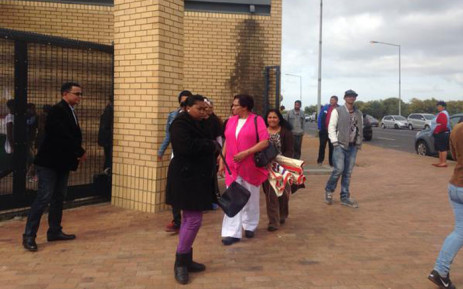 FILE: Sylvia Farmer being supported by several Eerste River residents at the Blue Downs Court. Picture: Shamiela Fisher/EWN