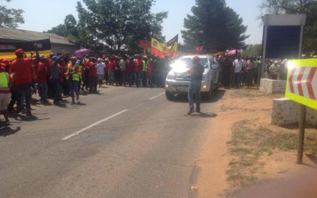 The National Union of Mineworkers (NUM) members march to AngloCoal in Witbank to hand over a memorandum in support of their demand for a R1,000 increase for their lowest paid workers. Picture: @NUM_Media.