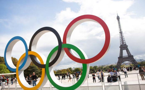 Olympic rings are seen in front of the Eiffel Tower at the Trocadero square in Paris, France. Picture: @Paris/Twitter.