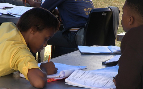 FILE: Matric pupils preparing for their final exams at their learning camp in Magaliesberg on 07 October 2014. Picture: Reinart Toerien/EWN.