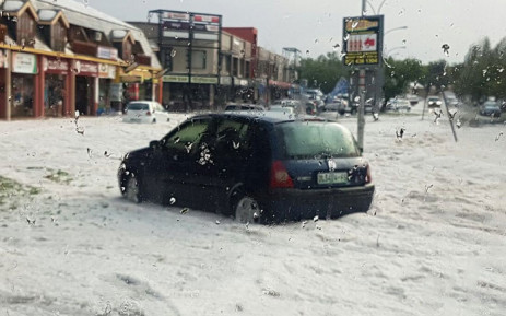 Hail storm in Bloemfontein on 20 October, 2016 around Langenhovenpark. Picture: Arrive Alive official Facebook page.