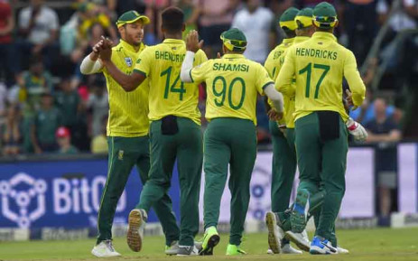 South Africa's captain David Miller (L) celebrates with teammate Beuran Hendricks (2L) after getting the wicket of unseen Pakistan batsman Fakhar Zaman during the second T20 cricket match between South Africa and Pakistan at The Wanderers Cricket Stadium in Johannesburg on 3 February 2019. Picture: AFP
