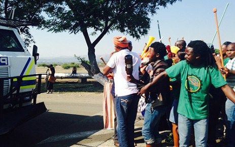 FILE: Police presence is increased at Anglo American Platinum's Rustenburg mines on 23 January as Amcu members prepare to go on strike. Picture: Govan Whittles/EWN.