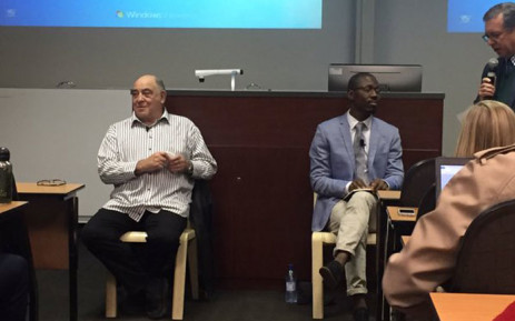 ANC stalwart Ronnie Kasrils at Stellenbosch University today discussing 'SA into the Future'. Picture: Monique Mortlock/EWN.