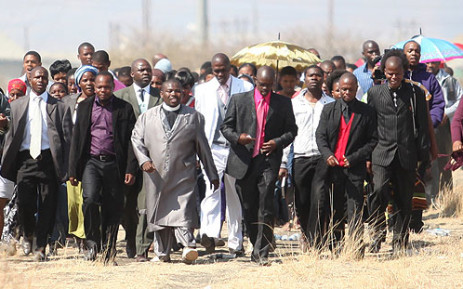 Worshippers gather for a prayer at the scene of the Lonmin shooting on 19 August 2012. Picture: Taurai Maduna/EWN.