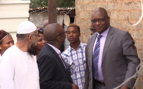 Gauteng Premier David Makhura has visited three Reiger Park families who lost their children through crime, Picture: Vumani Mkhize/EWN.