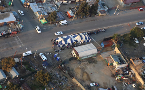 Voting has already begun in Alexandra township, north of Johannesburg, with people waiting in long queues on 3 August 2016. Picture: Christa Eybers/EWN.