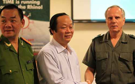 General Jooste meets with Deputy Chairman of the Vietnamese Committee for Science, Technology and Environment, Tuan Nhan Vo and the Vice Chief of Hanoi Environmental Police Viet Tien Nguyen. Picture: Christa Van der Walt/EWN