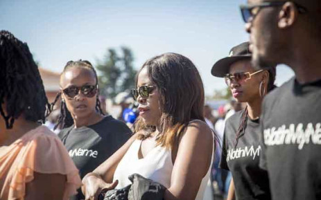 FILE:  Mandisa Duma makes her way from court with anti-Mduduzi Manana protesters on 13 September 2017.  Picture: Thomas Holder/EWN.