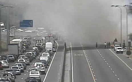 Many motorists got out of their vehicles to get a better view ahead. Picture: Twitter via @EWNTraffic.