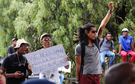 FILE. Hundreds of Wits University students protested on campus on 16 October 2015 over proposed tuition fee increases. Picture: Reinart Toerien/EWN