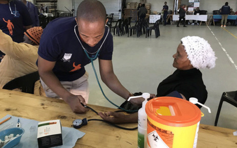 FILE: Fisantekraal residents had the opportunity to go for HIV/Aids, blood glucose and blood pressure tests by University of the Western Cape officials as part of Mandela Day celebrations on 18 July 2018. Picture: Kevin Brandt/EWN.