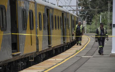 Rail officials on the scene of a train crash in Germiston on 9 January, 2018. Picture: Ihsaan Haffejee/EWN