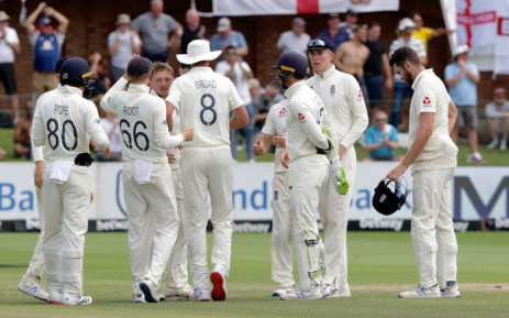 England's Dominic Bess (3rdR) celebrates with teammates after the dismissal of South Africa's Anrich Nortje during the fifth day of the third Test cricket match between South Africa and England at the St George's Park Cricket Ground in Port Elizabeth on 20 January 2020. Picture: AFP