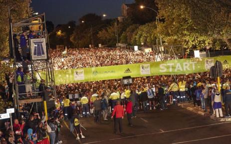 FILE: Runners at the starting line of the Two Oceans Marathon in Cape Town. Picture: Twitter/@2OceansMarathon