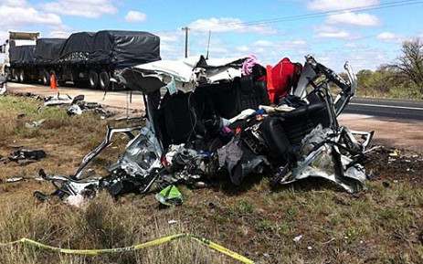 A road accident on the N1 between Laingsburg and Beaufort West, 16 December 2012. Picture: Graeme Raubenheimer/EWN.