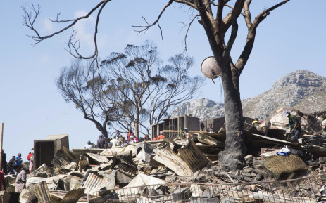 FILE: People have been left homeless following a fire in Mandela Park, Hout Bay. Picture: Cindy Archillies/EWN.