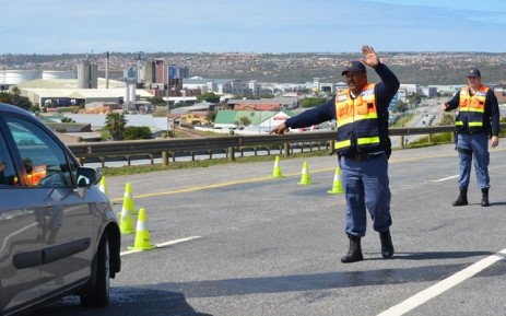 Western Cape traffic officers conducting a roadblock. Picture: @WCGovTPW/Twitter.