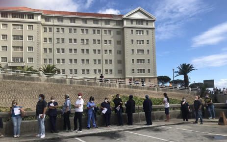 Private sector general practitioners are lining up on Sunday, 21 February 2021, to receive their inoculations at Groote Schuur and Tygerberg Hospitals in the Western Cape. Picture: Lizell Persens/Eyewitness News.
