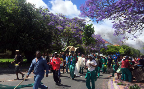 Stellenbosch University employees are striking over wages & have blocked some roads in the town. Picture: Aletta Harrison/EWN.